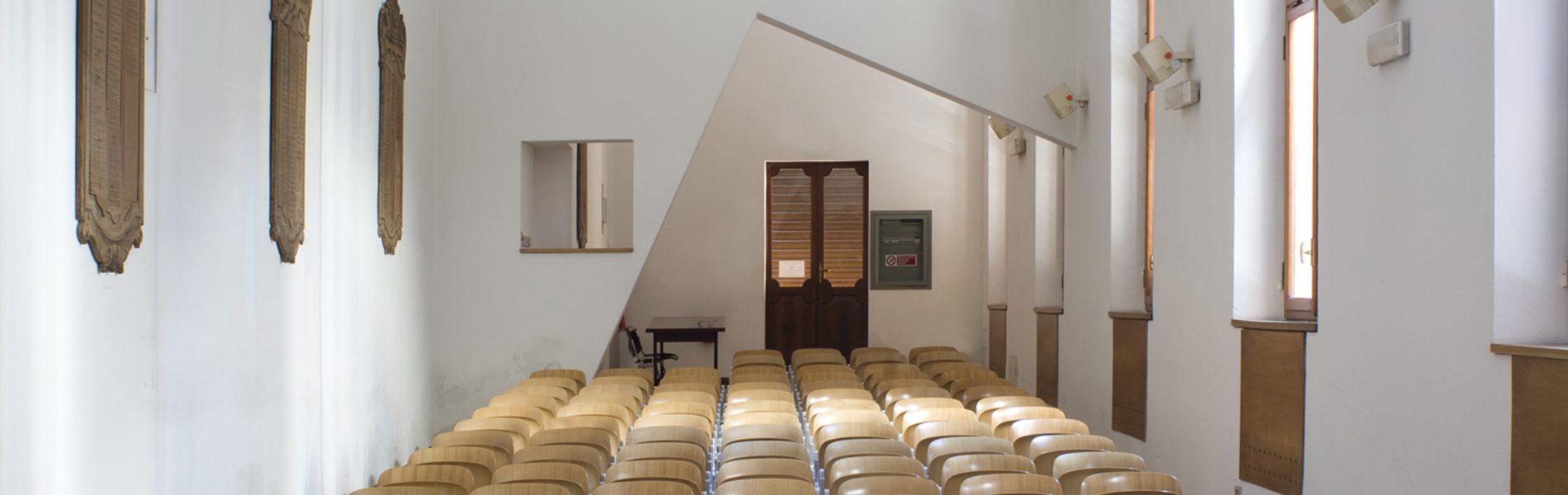 Dimensioni Sala Conferenze 100 Posti.Sala Conferenze Fondazione Collegio San Carlo