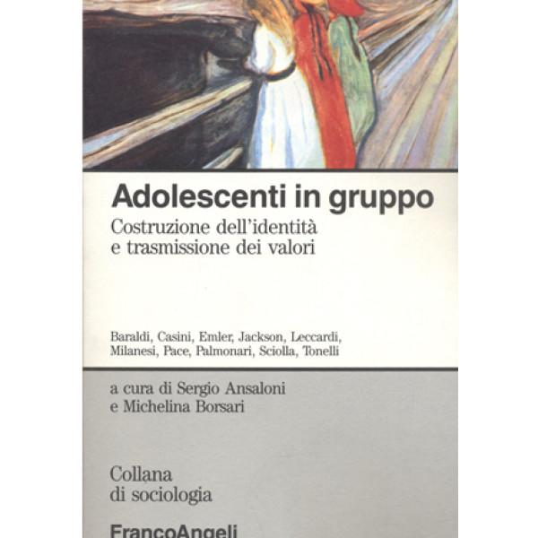 Adolescenti in gruppo